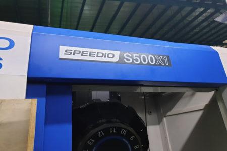 Lắp hệ thống bơm mỡ tự động cho máy Brother Speedio S500X1